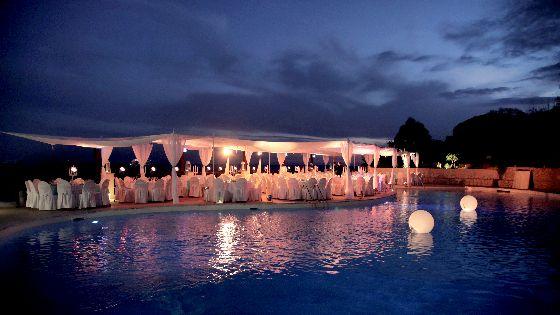 Effetti luminosi napoli studio events musica per - Villa mirabilis piscina ...
